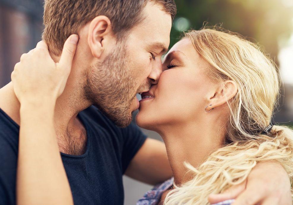 17 gyakori kérdés a csókolózásról